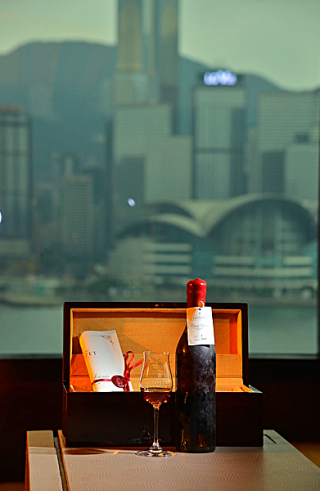 Hong-kong-hotel-ihc-most-expensive-cognac-2