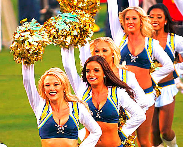 San_Diego_Chargers_cheerleaders_by Tabercil via WIkimedia Commons
