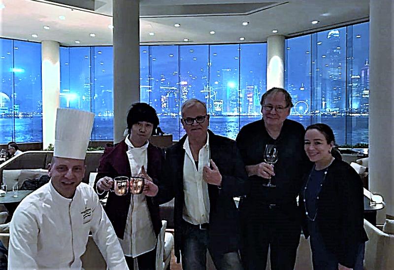 Hong kong intercontinental lobby bar