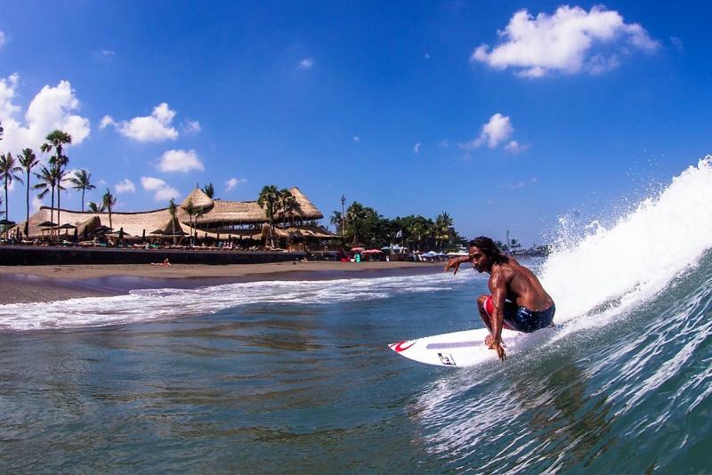 Bali finns beach club surfing (2)