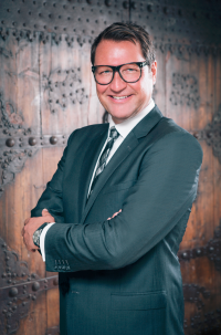 People Philip Schaetz  Vice President  Marco Polo Hotels