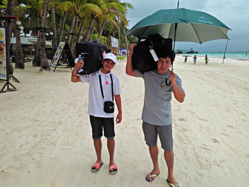 boracay-beach-porters-credit-www.accidentaltravelwriter.net