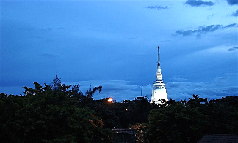 Wat_Prayoon_Bangkok_Thailand