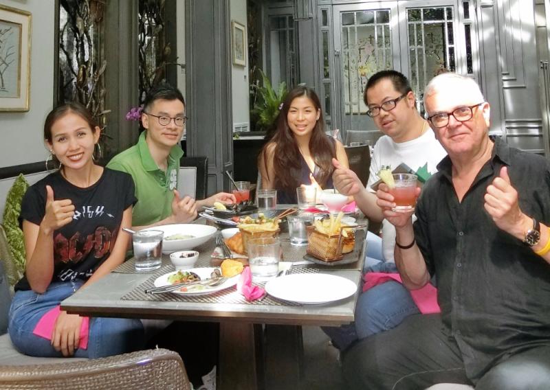 Thailand-bangkok-restaurant-lady-l (11)