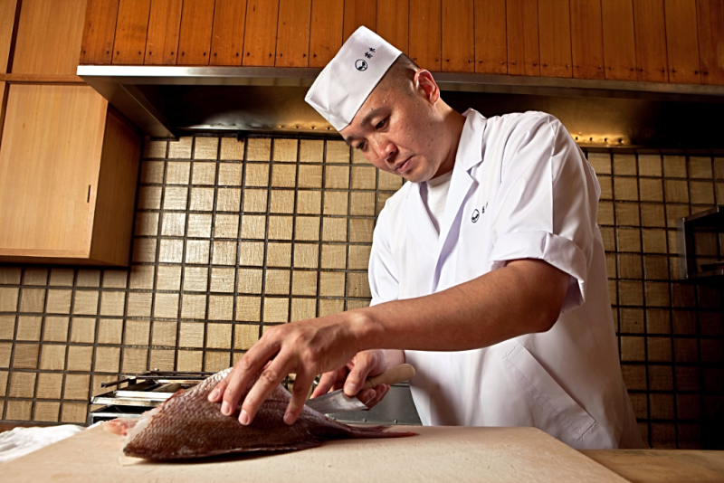 shinichiro-takagi-executive-chef-at-zeniya-restaurant-in tokyo