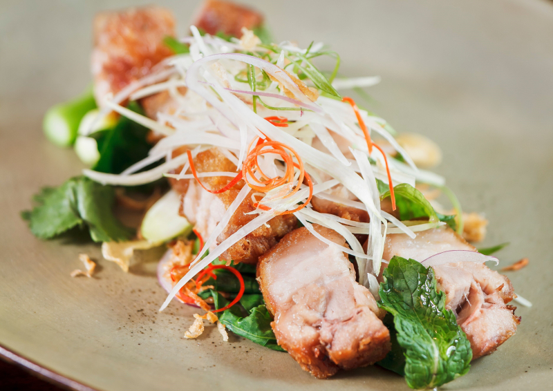 Thailand-bangkok-restaurant-namsaah-bottling-trust-Crispy-Pork-Belly-Yum-Salad-2 (3)
