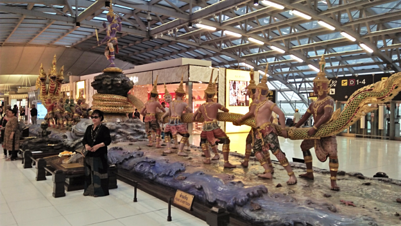 bangkok-airport-departure-terminal-sculputre