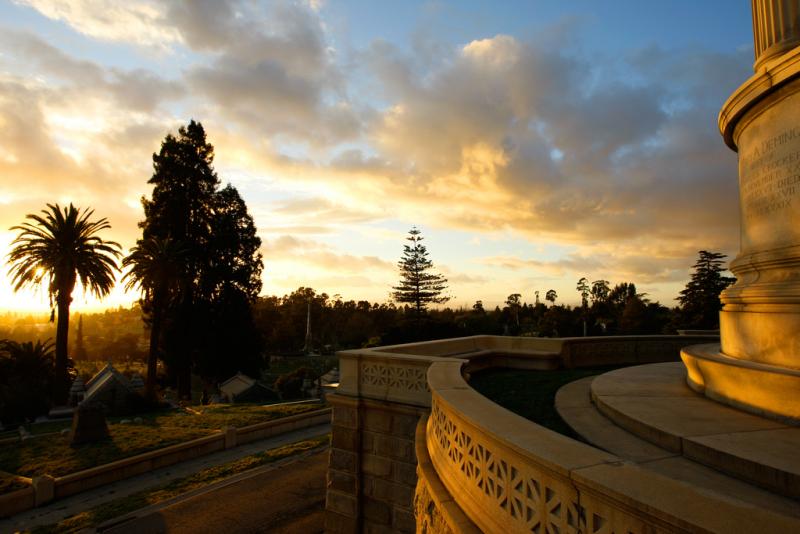 Usa-oakland-mountain-view-cemetery-Charles-Crockers-Tomp-creidt-mesolimbo