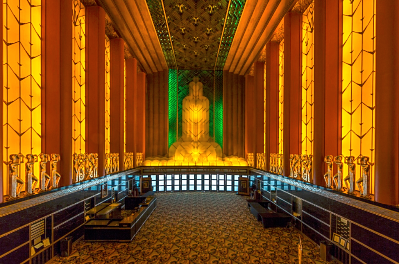 Oakland-Paramount-Theatre-interior-3-credit-Carol-m-highsmith