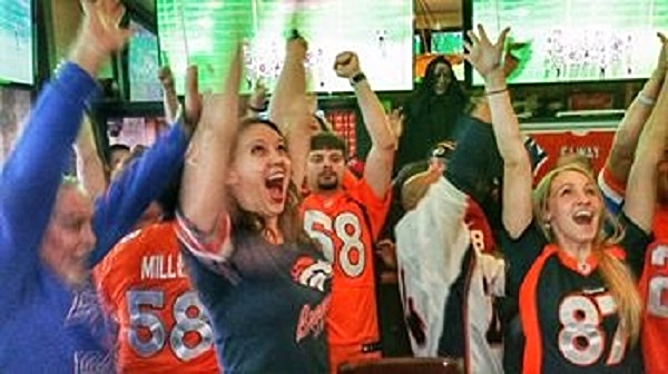 Sports-nfl-denver-broncos-penn-quarter-tavern (6)