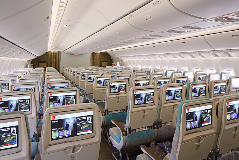 Aviation-emirates-airline-Economy-Class-cabin-on-Boeing-777-300ER-_2_