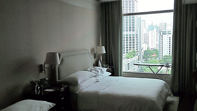 oriental-residences-bangkok-grand-deluxe-room
