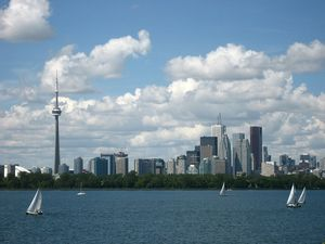 Canada-Toronto_skyline_and_waterfront-derek-tsang
