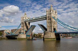 England_London_Tower_Bridge_Open_Photo_Credit_Tony_Hisgett
