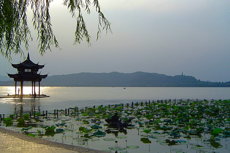 China_West_Lake_Hangzhou_Credit_Wikimedia_Commons