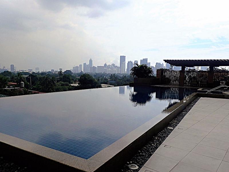 Philippine-manila-discovery-primea-pool (1)