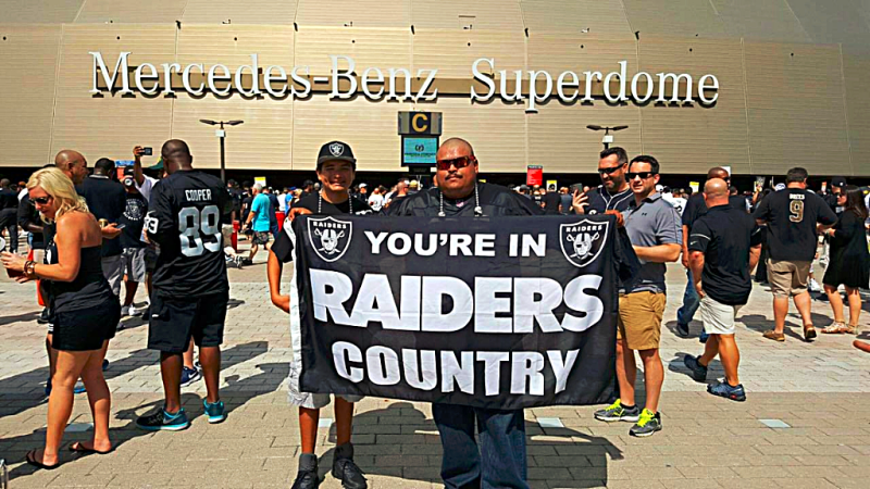 Sports-nfl-raiders-superdome-fans