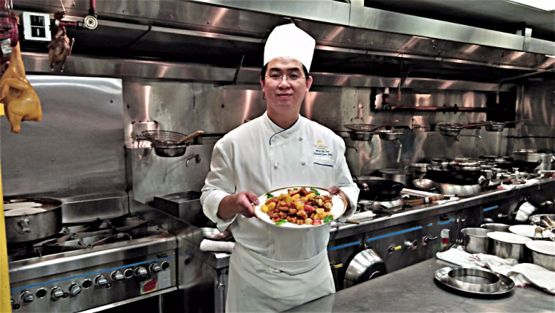 Chef-Wong-Chee-Fai-cooks-sweet-and-sour-pork-copyright-www.accidentaltravelwriter.net