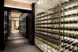 Japan-tokyo-blanc-rouge-wine-cellar