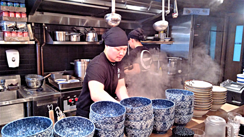 preparing-japanese-noodles-credit-www.accidentaltravelwriter.net