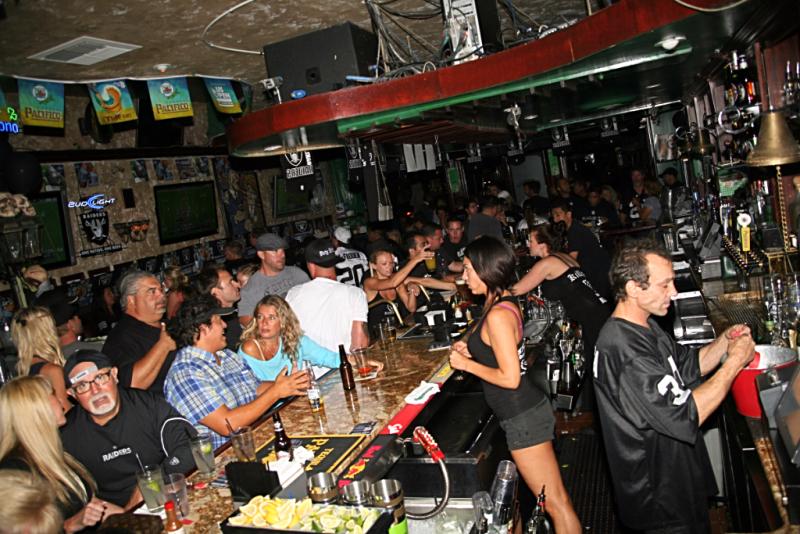Raiders Haunts Killarney Pub And Grill Huntington Beach