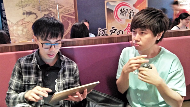 ordering-from-digital-menu-at-gozen-edo-japanese-restaurant