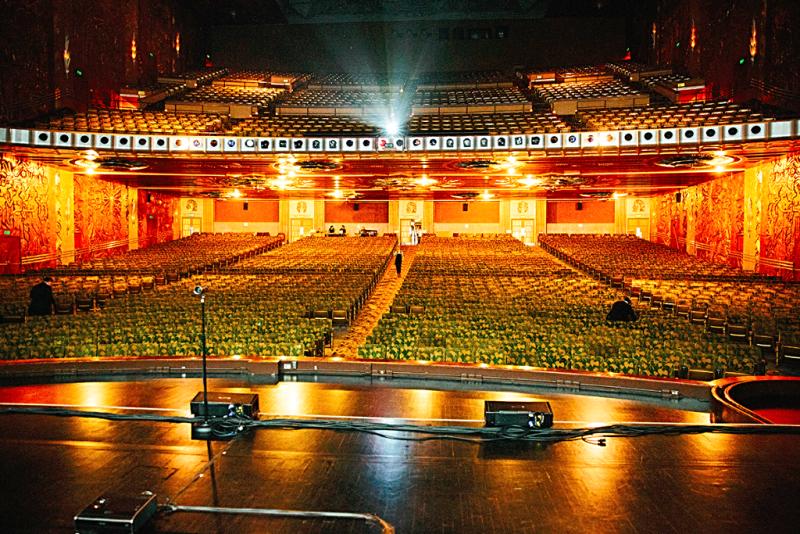 Oakland-Paramount-Theatre-interior-1-credit-jon-snyder
