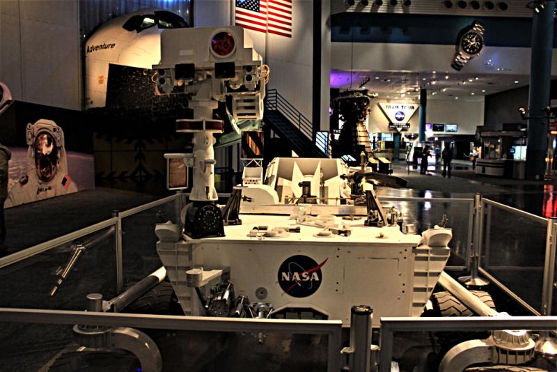 Usa-houston-space-center-nasa-curiosity-rover-credit-yinan-chen