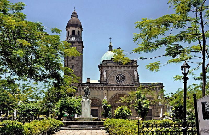 Festive_Philippines-Manila-Cathedral-credit-jasonianyap