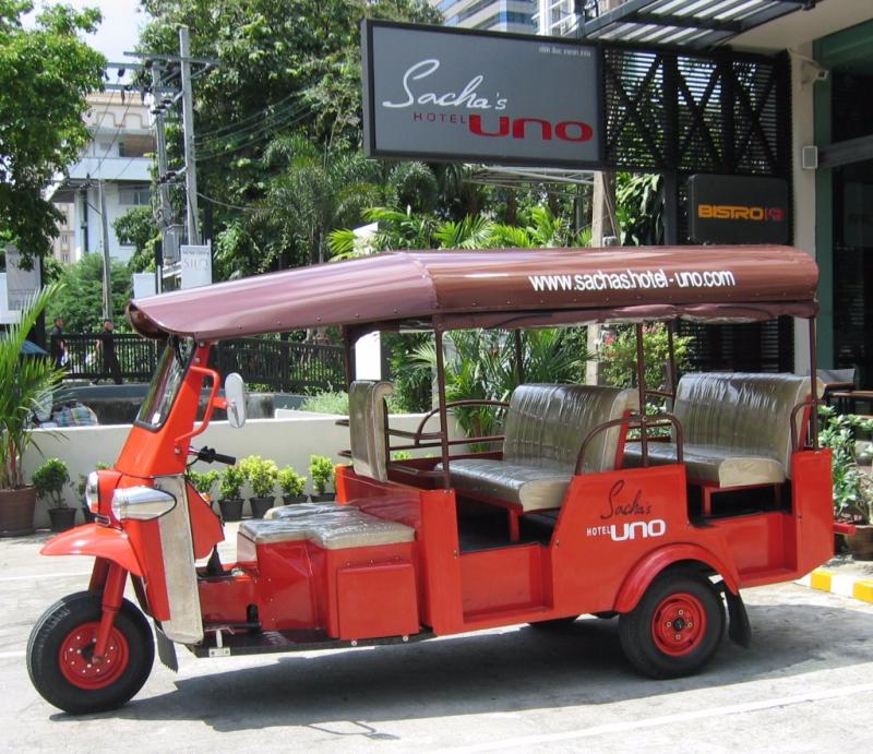 bangkok-hotel-tuk-tuk