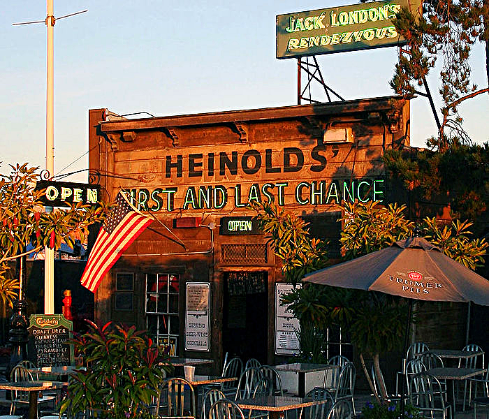 700px-Heinold's_First_and_Last_Chance_2007[1]