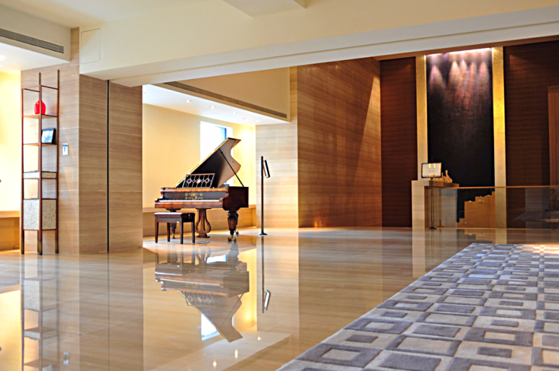 image-of-hotel-lobby-at-Les-Suites-Orient-in- Shanghai
