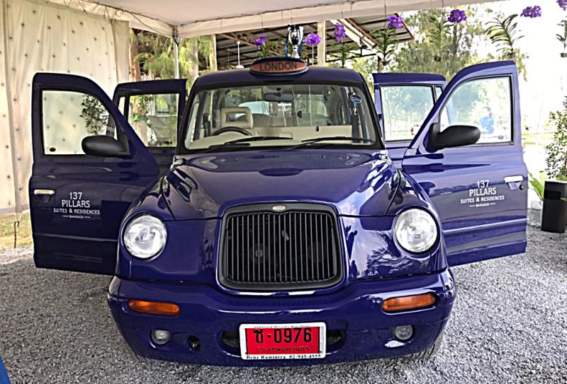 image-of-London-Cab-at-137-pillars-in-bangkok