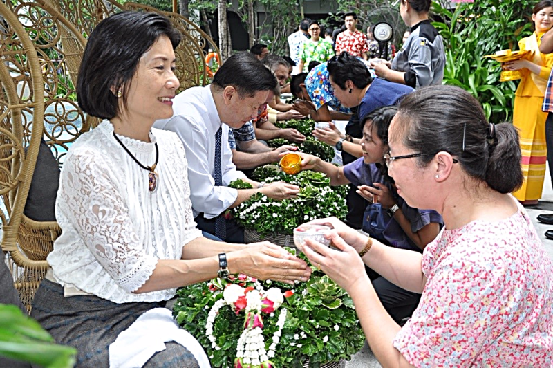savitri ramyarupa leads chatrium songkran ritual in bangkok