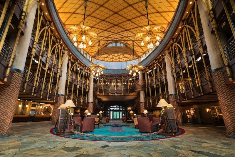Hong-kong-hotel-Disney-Explorers_Lodge-Lobby