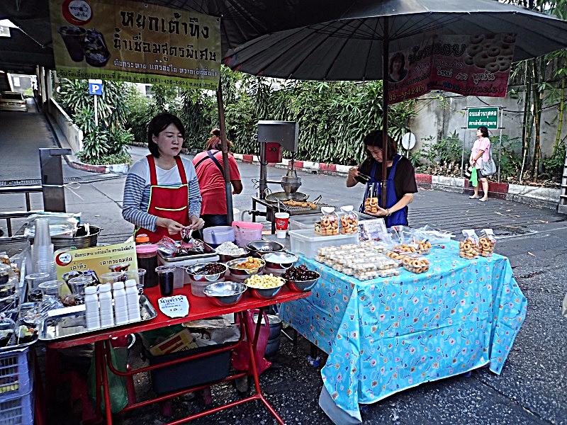 Bangkok street scenes (66)