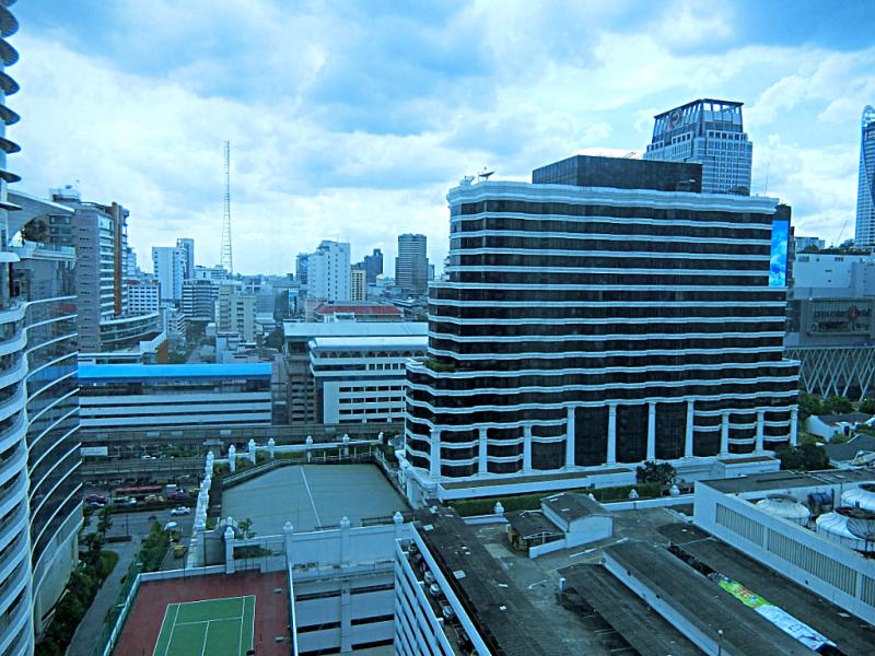 view-from-Renaissance-Bangkok-Ratchaprasong-hotel-room-credit-www.accidentaltravelwriter.net