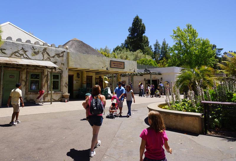 Usa-oakland-zoo-shops-credit-allie-caulfield