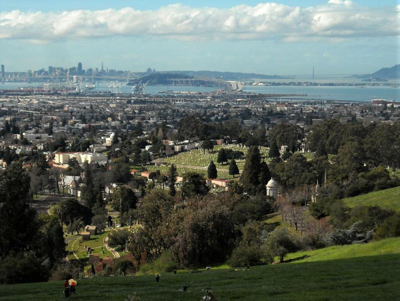 Usa-oakland-mountain-view-cemetary-view-of-bay-credit-daniel-ramirez