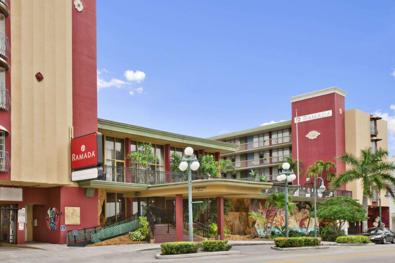 Ramada hollywood