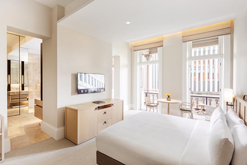 Australia-perth-hotel-como-Heritage_Balcony_Room_Bedroom